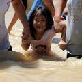 Le typhon Nesat continue sa route