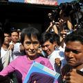 Suu Kyi reprend le combat politique