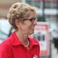 Neuf Canadiens sont dix sont gouvernés par des femmes