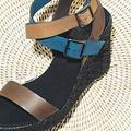 La sandale Lacoste