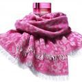 L'Oréal Paris et Les Petites créent un foulard pour la bonne cause