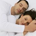 Amour et sommeil : ce que révèle le couple endormi