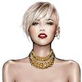 Roberto Cavalli (dés)habille Miley Cyrus