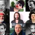 Ils posent avec du rouge à lèvres pour soutenir les femmes