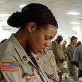 Fronde parlementaire contre l'interdiction des coiffures afro dans l'armée américaine