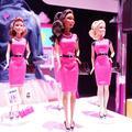 En rose et sexy, Barbie chef d'entreprise