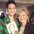 Katy Perry propose ses services à Hillary Clinton