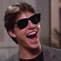 Pourquoi les lunettes de soleil nous rendent cool