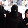 """Syrie : l'État islamique exige que les femmes soient """"invisibles"""""""