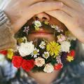 La barbe à fleurs, nouvelle lubie des hipsters