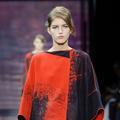 Haute couture, le rouge et le noir selon Giorgio Armani