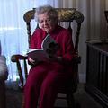 À 86 ans, une grand-mère écrit un roman érotique