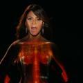 Le clip inattendu de Paula Abdul contre le cancer du sein