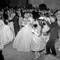 Dans les coulisses du premier Bal des débutantes en 1958