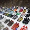 500 baskets de fans célébrées dans l'exposition Adidas Spezial