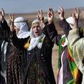 Défiant Daech, les Kurdes syriens proclament l'égalité homme-femme