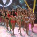"""Victoria's Secret change son """"corps parfait"""" après la révolte les internautes"""