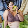 Une photographe transforme des femmes rondes en icônes de beauté