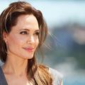 Angelina Jolie, superstar et superwoman