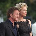 Sean Penn et Charlize Theron se seraient fiancés à Paris
