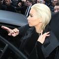 Kim Kardashian crée la surprise en passant au blond