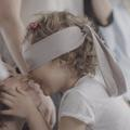Les enfants peuvent-ils reconnaître leur maman les yeux bandés ? La réponse en vidéo