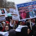 """Afghanistan : après le lynchage d'une femme, la révolte gronde contre les """"faux mollahs"""""""