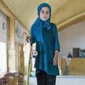 Interdites de vélo, les petites Afghanes font du skate à Kaboul