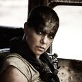 "Charlize Theron enflamme ""Mad Max Fury Road"""