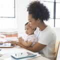 Avenir professionnel, relations amoureuses : à quoi aspirent les mamans pour leurs filles