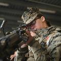 États-Unis : les femmes militaires pourront désormais combattre en première ligne