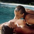Stars en maillot de bain : les scènes de cinéma les plus torrides