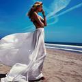 Sea & sun, un été en mode bohème avec Camille Rowe