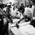 Pourquoi les femmes sont séparées des hommes à la synagogue ?