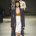 Fashion Week de Paris : électro avant-gardiste sous influence 40's chez Dries Van Noten