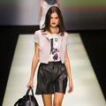 Milan Fashion Week : Armani voit la vie en rose