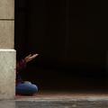 """""""Femmes invisibles"""", le docu émouvant sur celles qui vivent dans la rue"""
