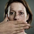 Violences faites aux femmes : les appels au 3919 ont doublé en 2014