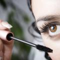 Conseil maquillage : comment prendre soin de mes cils ?