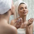 Fixateur de maquillage : mode d'emploi