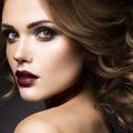 Conseil maquillage : le rouge à lèvres foncé, j'ose ou pas ?
