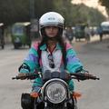 Pakistan : une nouvelle génération de conductrices en deux-roues et en camion