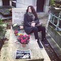 """""""Papa, ça y est, t'es mort encore"""" : l'hommage de Elsa Wolinski à son père sur Instagram"""