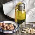 Soin du visage : 3 recettes à base d'huile d'argan