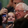 Mais pourquoi Bernie Sanders plaît-il autant aux femmes ?