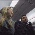 Un pilote d'American Airlines annonce en plein vol à un passager qu'il va être papa