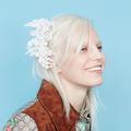Barrettes et serre-têtes : les nouveaux bijoux pour cheveux