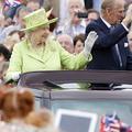 Elizabeth II recherche un community manager pour gérer son compte Twitter