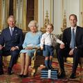 """Le prince George affiche un sourire majestueux en une du """"Times"""""""