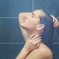 Pour le bien de votre peau, lavez-vous moins